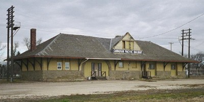 Canadian Pacific Railway Station in Portage la Prairie, Manitoba (photo © Wayne Harris)